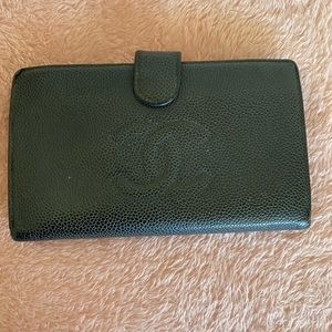 Auth Chanel black caviar leather long wallet